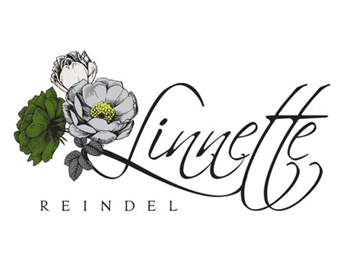 The Savvy Socialista Logo Design 1 Linnette Reindel